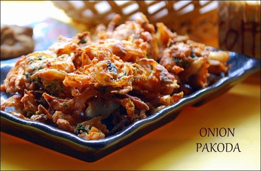 Onion Pakoda Recipe Onion Pakoda With Mint Leaves Raks Kitchen